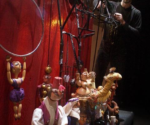 """Необычный кукольный спектакль для детей в СПб: """"Цирк на нитях"""" в """"Кукольном формате"""""""