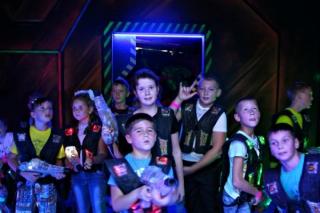 """Лазерные бои для школьников в Новосибирске. Акция для школьных классов от арены """"Портал-54"""""""