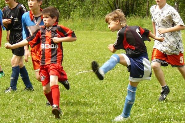 """Футбольный лагерь для детей """"Планета Спорта"""" -  занятия футболом с тренерами Аякса"""