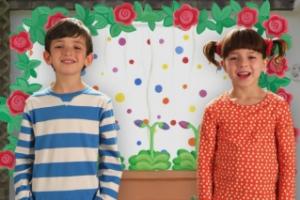 """Что смотреть по телевизору с детьми? Премьера многосерийного фильма """"Топси и Тим"""" на Ginger HD!"""